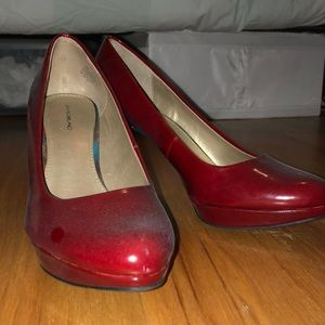 Red Bandolino Pumps